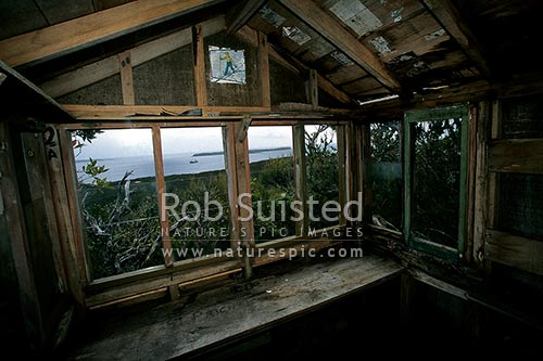 Old Coast watchers lookout hut, Ranui Cove, Port Ross, Auckland Islands, NZ Sub Antarctic District, NZ Sub Antarctic Region, New Zealand (NZ) stock photo.